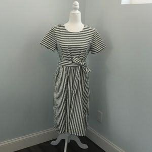 Mo: vint Large Women's Dress